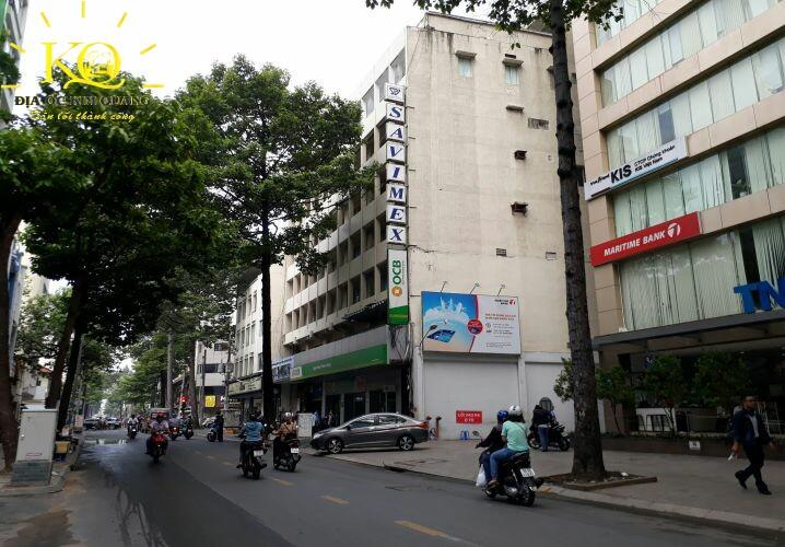 Giao thông phía trước Savimex Building