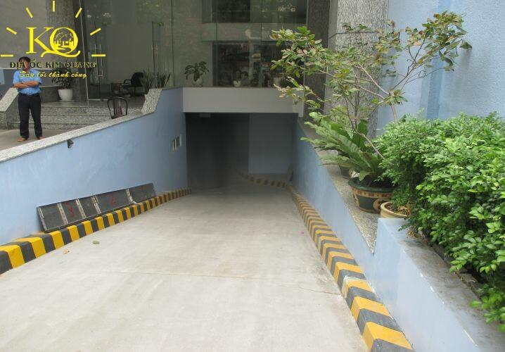 Lối xuống hầm gửi xe Tống Hữu Định Building