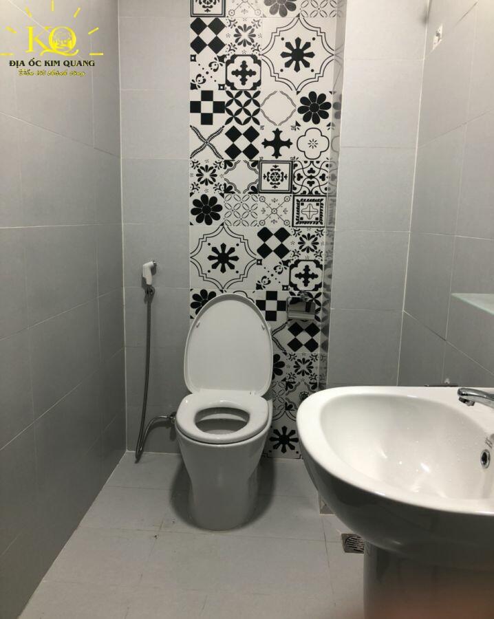 Toilet Đỗ Đầu PDP Building
