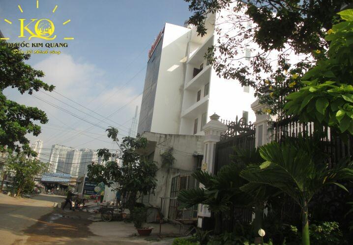 Xung quanh Land Talk Building