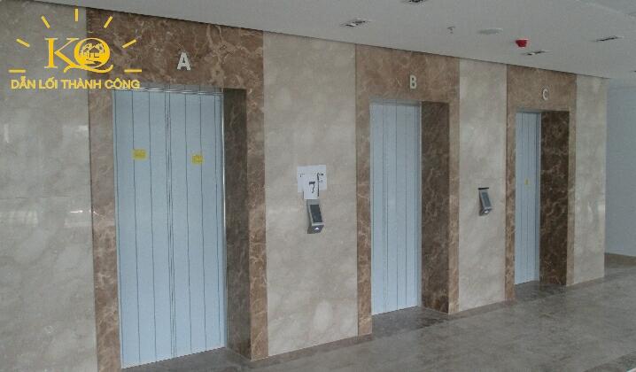 Thang máy trên trong Tòa nhà đường Phạm Ngọc Thạch