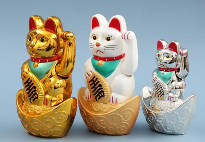 Mèo thần tài là vật phẩm phong thủy dễ sử dụng có thể đặt ở nhiều nơi