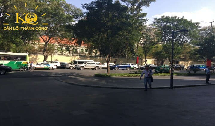 cho-thue-van-phong-hang-a-kumho-asiana-plaza-saigon-13-con-duong-phia-truoc-toa-nha-dia-oc-kim-quang
