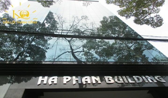Bên ngoài tòa nhà Hà Phan building