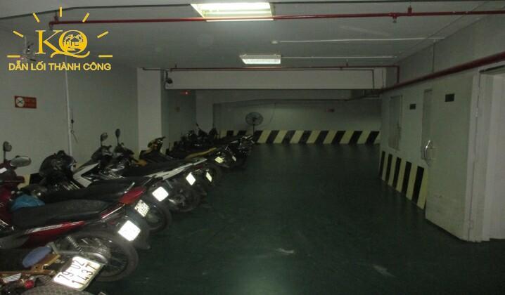 Hầm gửi xe tại tòa nhà Hà Phan building