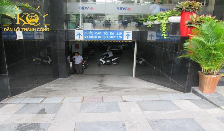 cho-thue-van-phong-quan-1-gia-re-khang-thong-building-13-loi-xuong-ham-gui-xe-dia-oc-kim-quang