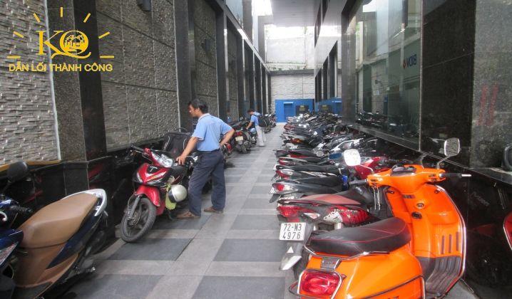 cho-thue-van-phong-quan-1-gia-re-khang-thong-building-17-khu-vuc-de-xe-dia-oc-kim-quang