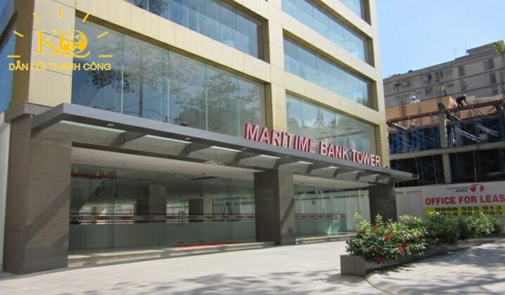 Phía trước tòa nhà Maritime Bank Tower