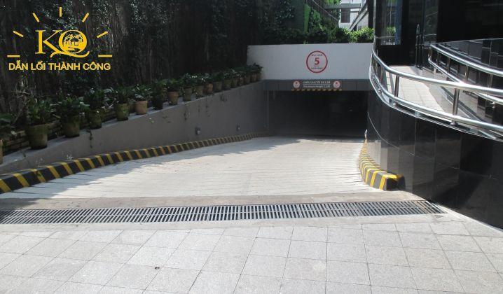 Lối xuống hầm gửi xe tòa nhà MB Sunny Tower
