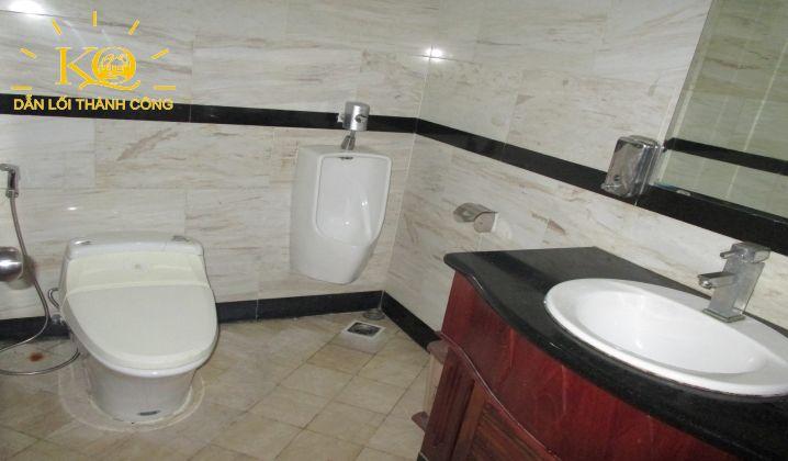 Toilet tòa nhà NDT Building