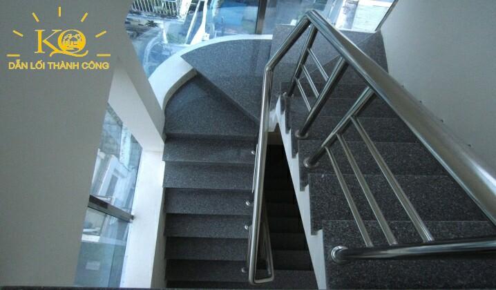 Lối thang bộ tại Nguyễn Hữu Cầu building