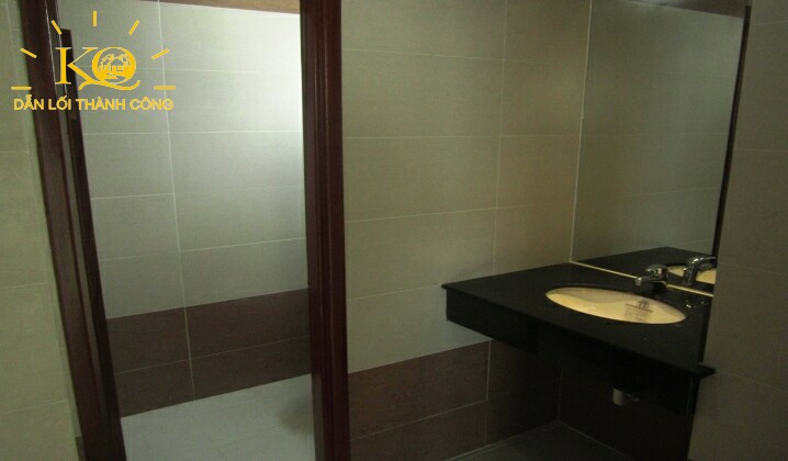 Toilet tại Nguyễn Hữu Cầu building