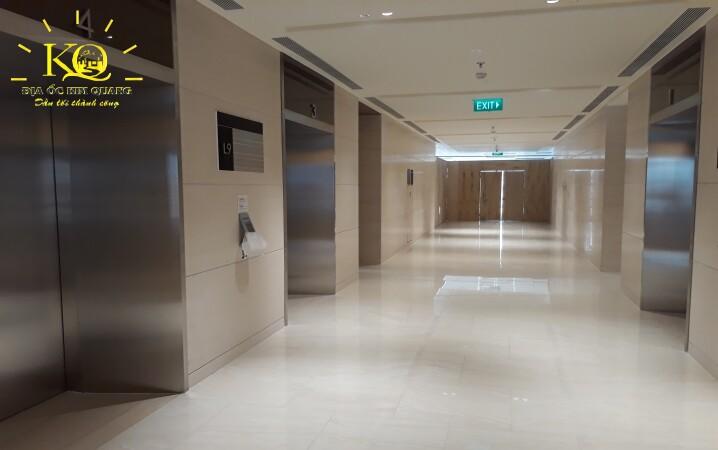Hành lang tại tòa nhà Saigon Centre 2