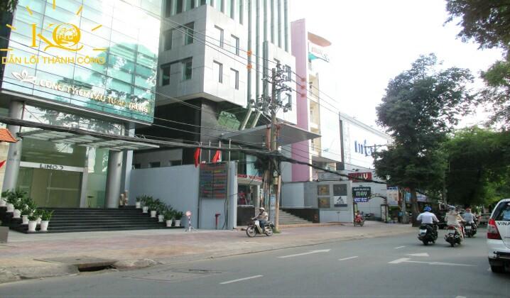 Giao thông phía trước tòa nhà Agrex Tower