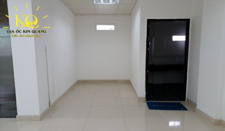Khu vực toilet tại tòa nhà Air Garden Building