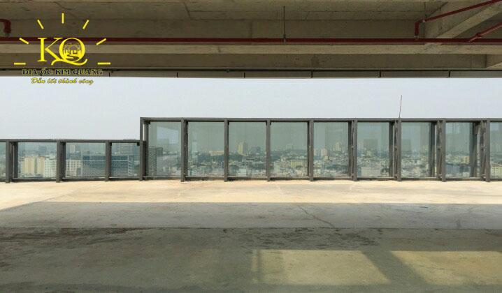 Sân thượng tại tòa nhà Lim Tower 2