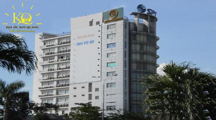 Bên ngoài tòa nhà Saigon Postel Building