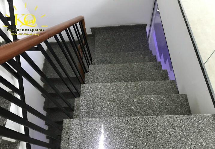 Lối thang bộ tòa nhà SGP Koastal