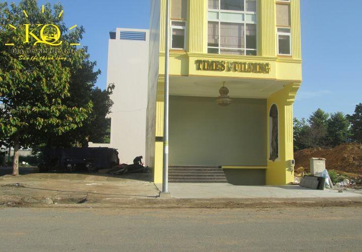 Phía trước Times Building