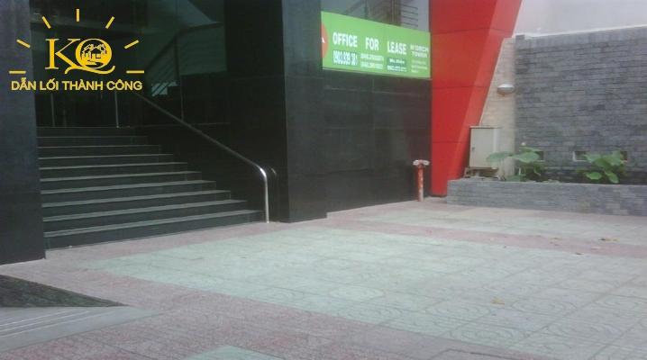 Phía trước tòa nhà Norch Building