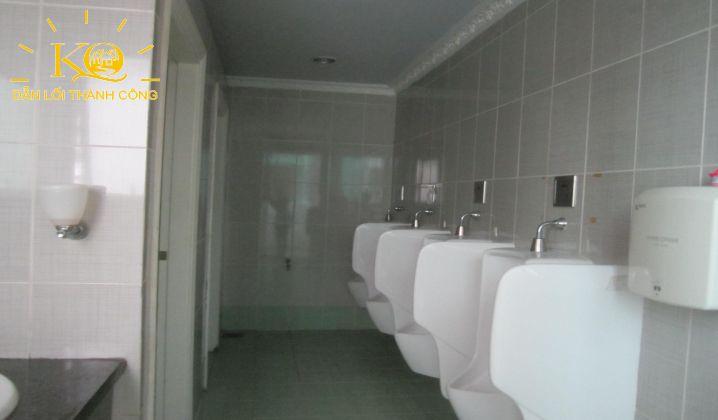 Góc toilet tại tòa nhà Norch Building