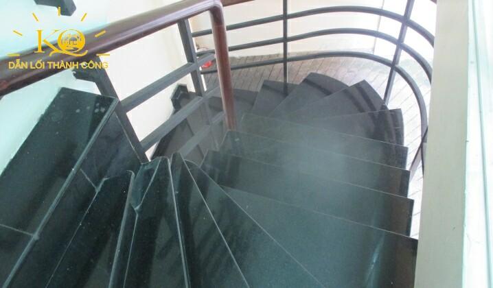 Lối thang bộ tại tòa nhà Packsimex Building