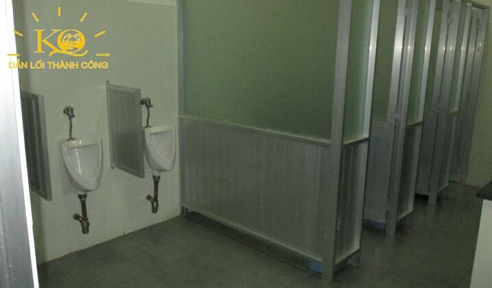 Toilet tòa nhà Thanh Niên Building