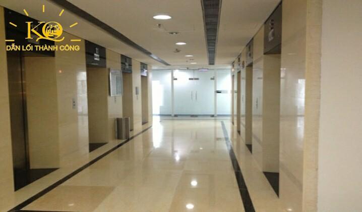 Khu vực thang máy tại tòa nhà Vincom Center