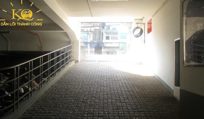 dia-oc-kim-quang-cho-thue-van-phong-quan-3-comeco-building-8-loi-xuong-ham-gui-xe