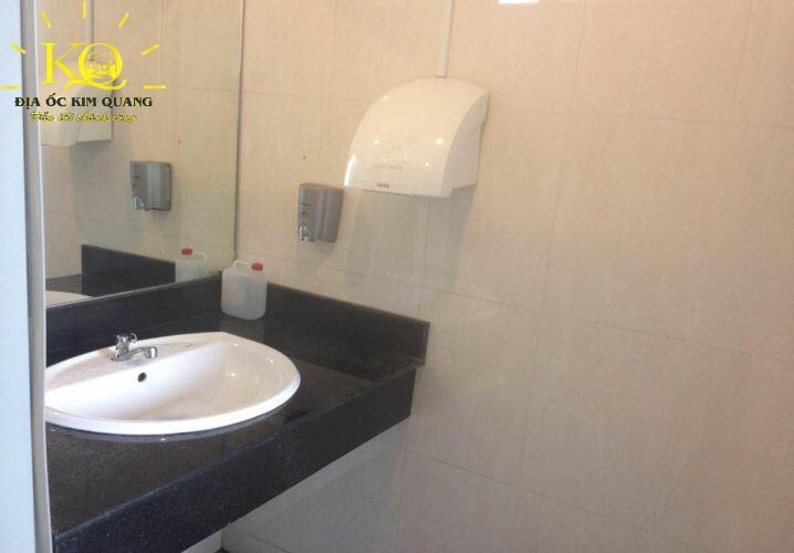 dia-oc-kim-quang-van-phong-cho-thue-quan-3-shinhanvina-10-toilet