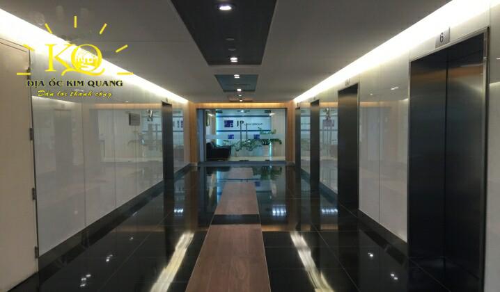 dia-oc-kim-quang-van-phong-tron-goi-bitexco-financial-tower-10-khu-vuc-thang-may