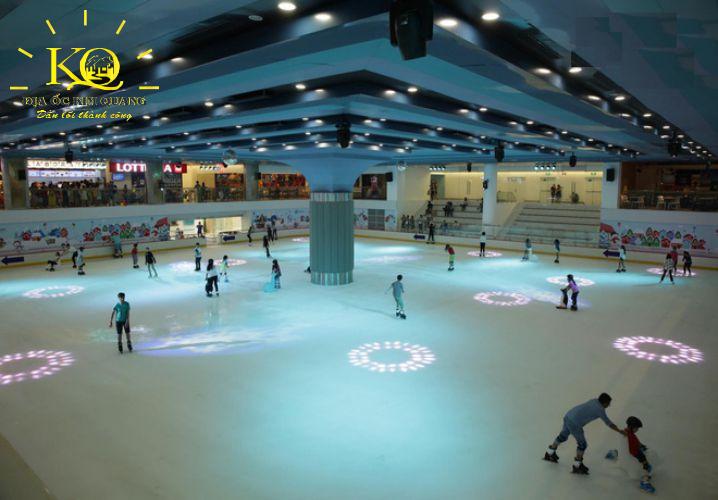 dia-oc-kim-quang-van-phong-tron-goi-landmark-81-4-san-bang-vincom-ice-rink