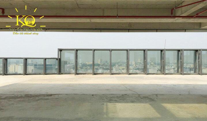 Sân thượng tại Lim Tower 2