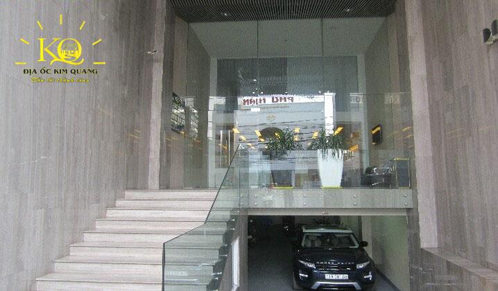 Phía trước tòa nhà Minh Phúc Office building