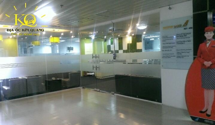 Địa ốc Kim Quang  Hành lang của tòa nhà cho thuê văn phòng trọn gói Hải Âu Building sáng và thoáng