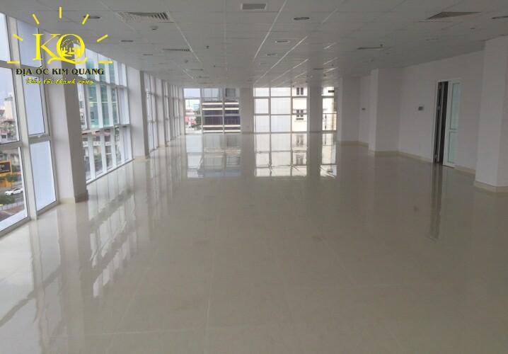 Diện tích trống bên trong Nguyễn Trọng Tuyển Building