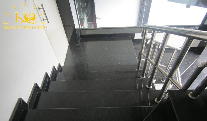 Hình chụp lối thang bộ
