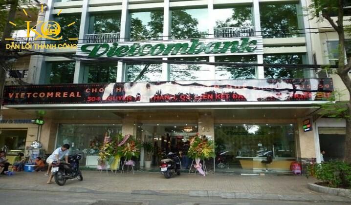 Hình chụp bao quát toa nhà Vietcombank Office building